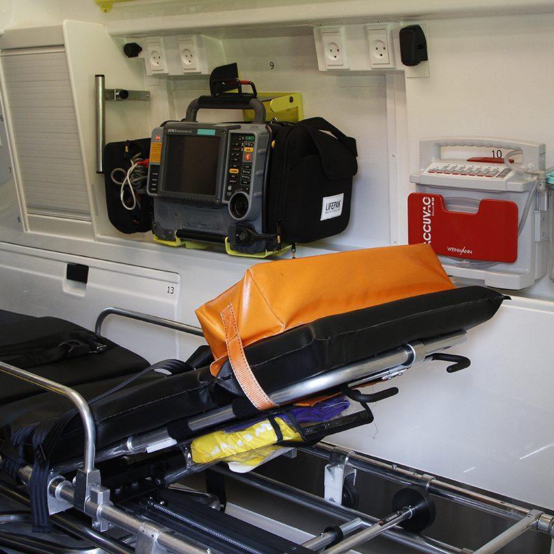 Indersiden af en ambulance