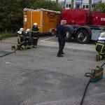 Brandkadetter afprøver brandslanger
