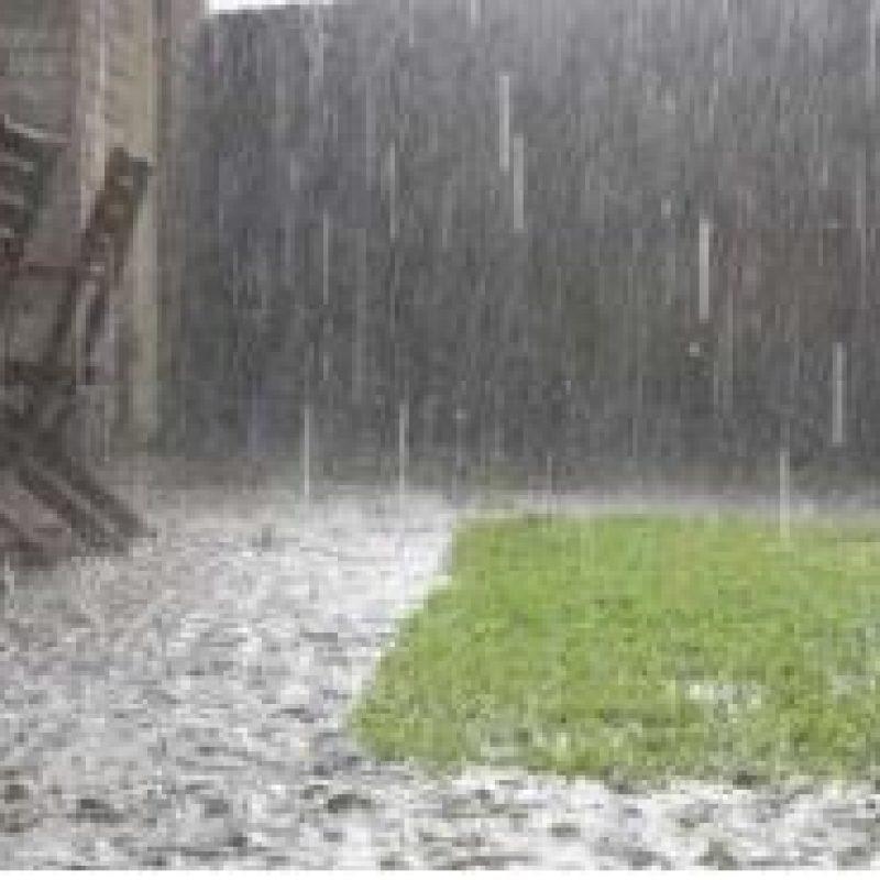 Billedet viser kraftig regn.